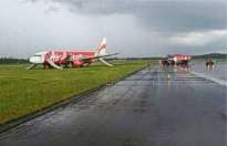 2014-07-07_9M_AQA_A320_AXM@WBSB_off_rwy_ACC6