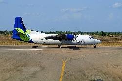 2013-09-06_5Y-BYE_F50_JubbaAW@MogadishuAP_off_rwy_ACFT