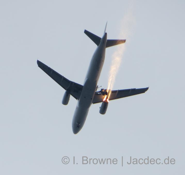 2015-04-25_TC-JPE_A320_TK@LTBA_JACDEC-WORLDMAP_ACC5