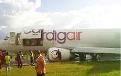 2015-08-28 Cardig Air Boeing 737-300F substantially damaged in Wamena