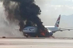 2015-09-08 British Airways Boeing 777 burned after engine failure at Las Vegas, USA