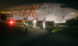 2015-09-25 GOL Boeing 737-800 off runway during backtrack at Rio-Santos Dumont