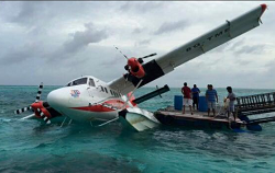 2015-09-21 Tans Maldivian DHC-6 damaged in storm at Kanifushi Resort