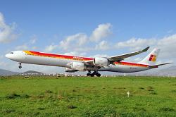 2015-10-05_EC-LCZ_A346_IB@TJSJ_low_Ldg_ACFT