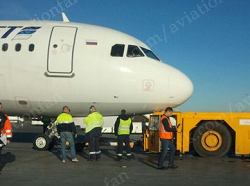 2015-11-05 Metrojet A321 pushback mishap at St Petersburg