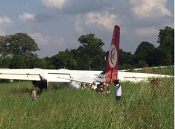 2015-11-13 Lao Skyway MA-60 off runway at Vientiane