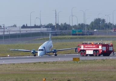 2016-07-12 Air Georgian Beech 1900 nosegear collapse at Calgary