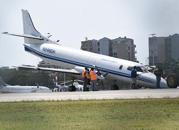 2016-08-05 Amerijet Metroliner no nosegear landing Sint Maarten