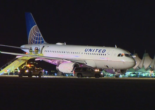 2016-09-18 United A319 went off runway during line-up at Denver