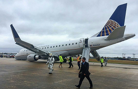 2016-12-04 Skywest Embraer E-175 nosegear collapse San Antonio