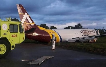 2017-01-28 AerCaribe Boeing 737-400SF overran runway at Leticia